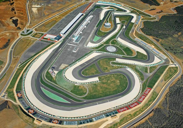Visit the MotoGP Portugal at Portimao 2021 with our hotel and ticket package